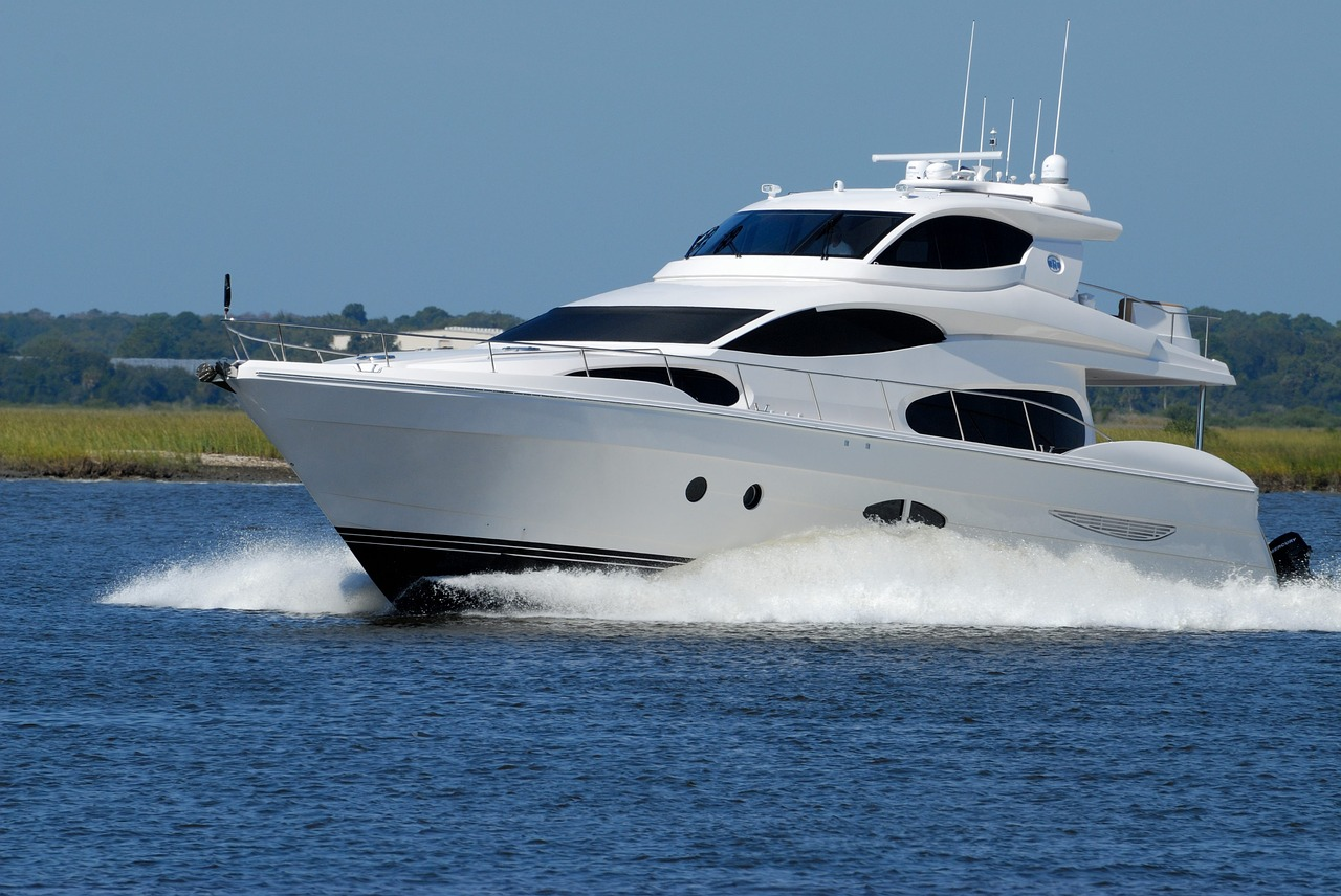 luxury-yacht-boat-speed-water-1620040